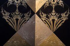 """Paravent """"Dandelion"""" (détails) par Emmanuel Bossuet, dominos de papier avec pigments de métal - Galerie Armel Soyer © Seen By Kloé pour Blog Esprit Design"""