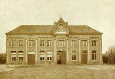 Stationstraat  (Leenderweg) Johannes Adrianus Gerardus Lurmans  liet het pand in 1891 bouwen