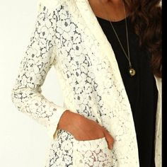 Professional and girly lace blazer. Dress to impress in the interview. Looks Style, Style Me, Pretty Outfits, Cute Outfits, Lace Blazer, Lace Jacket, Lace Sweater, Cream Blazer, Girly