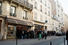 I want to go to Paris and stand in that line!!!!   Everything in there must be Delish!
