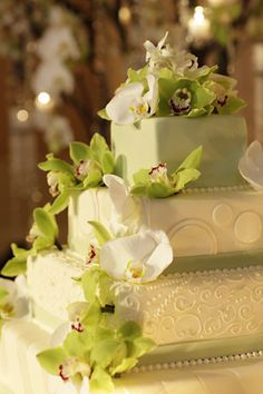 Beautiful orchid wedding cake