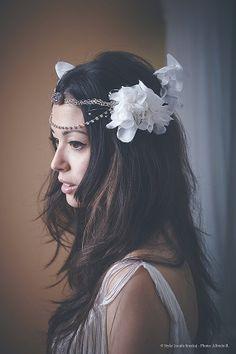 Wedding Headpiece Silk flower inspired 20' wedding di JonidaSmakaj, €180.00