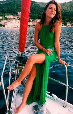 Look vestido longo verde Mariana Goldfarb.