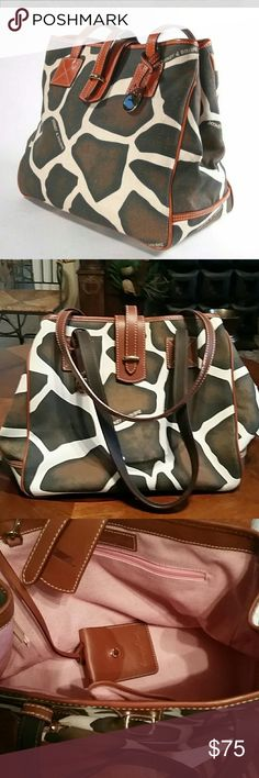 DOONEY &BOURKE bag A canvas and leather giraffe print Dooney &Bourke tote. EUC . NO STAINS, RIPS OR HOLES. Dooney & Bourke Bags Totes