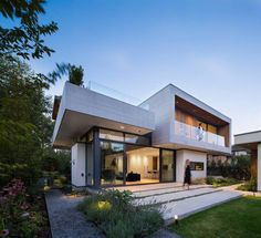 Modern Home Luxury, Chancellor Residence by Frits de Vries Architect | HomeAdore