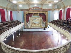 City of Kalgoorlie Boulder Town Hall/Theatre with it's famous and rare 1908 'Goatcher' painted curtain. Harry Potter Room, Listed Building, Old World Charm, Auditorium, Town Hall, Amazing Destinations, Western Australia, Bouldering, Facade