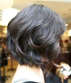 Nowadays, short hairstyles and wavy hair = trendy look! In our gallery you will find Short Wavy Hairstyles that you will totally adore! Short hairstyles are. Medium Hair Cuts, Medium Hair Styles, Curly Hair Styles, Medium Curly, Short Styles, Short Bob Hairstyles, Easy Hairstyles, Layered Haircuts, Wavy Haircuts