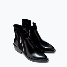 FLAT ANKLE BOOT WITH ZIP from Zara