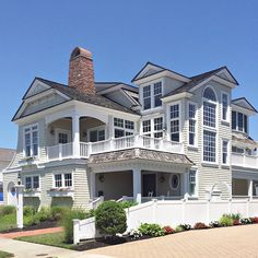 My favorite Jersey Shore beach town is Avalon NJ with Stone Harbor right behind it and in this post I'm showing you why my heart belongs to the Jersey Shore