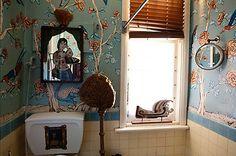 Look at that bathroom mural!