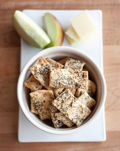 How To Make Crackers at Home — Cooking Lessons from The Kitchn. These make good all purpose crackers. Kind of like pita chips. Careful not to put too much salt on them. English Breakfast, Make Your Own Crackers, Homemade Crackers, Le Diner, Antipasto, Food And Drink, Cooking Recipes, Cooking Games, Cooking Classes