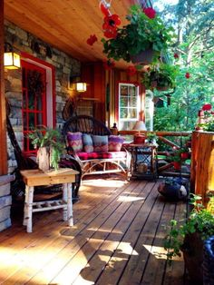 ✓ 75 Rustic Farmhouse Front Porch Decorating Ideas - We have now some concepts for simple and reasonably priced vintage farmhouse decor, you may wish to perceive the place it's attainable to search out these items. Country Porches, Farmhouse Front Porches, Cabin Porches, Country Patio, Country Living, Country Porch Decor, Rustic Porches, Country Cottages, Country Houses