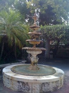 The courtyard fountain at Cecile's French Corner in Mount Dora, FL