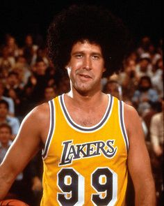 CHEVY CHASE FLETCH 11X14 PHOTO BASKETBALL IN WIG