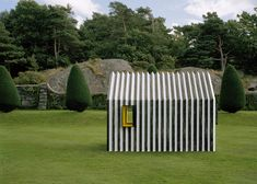 Paper Chameleon Cabin changes colour when viewed from either side
