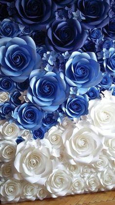 Ombré azul flores de papel en diferentes tamaños desde 7 a 17 de diámetro. Utilice este flores de papel grande como una pared para tu despedida de soltera o fotografías de la boda, o para enmarcar la mesa superior. También puede usarse para boutique tiendas frente o cualquiera de sus