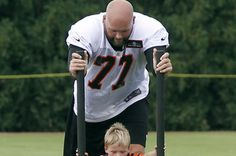 """Bengals Andrew Whitworth's knee """"too swollen to play"""" the Dolphins"""