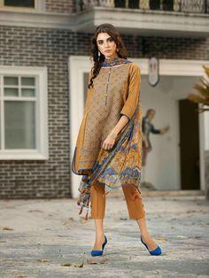 Beautiful Pakistani Dresses, Pakistani Dresses Online, Pakistani Dresses Casual, Pakistani Dress Design, Casual Dresses, Indian Dresses, Simple Dresses, Indian Outfits, Beautiful Dresses