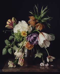 1726 Photography of Floral Still-Lifes That Recall Old Masters Paintings - Sharon Core Deco Floral, Floral Photography, Botanical Prints, Flower Designs, Flower Art, Still Life, Planting Flowers, Floral Arrangements, Beautiful Flowers