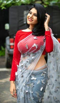 Beautiful Girl In India, Beautiful Blonde Girl, Beautiful Saree, Indian Natural Beauty, Indian Beauty Saree, Indian Sarees, Beauty Full Girl, Beauty Women, Women's Beauty