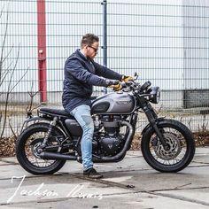 Photo courtesy of Triumph Cafe Racer, Triumph Scrambler, Cafe Racer Bikes, Triumph Motorcycles, Brat Bike, Bobber Motorcycle, Moto Bike, Classic Motors, Classic Bikes
