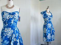 1950 Vintage paréo hawaïen bleu robe avec par vintagebluemoon