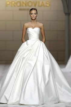 Stunning Atelier Pronovias Wedding Dresses - MODwedding This is utterly elegant and graceful. I love ball gown wedding dresses! Makes me feel like id be a princess and im hoping to be a princess and have my fairytale dream wedding one day! Elegant Wedding Dress, Dream Wedding Dresses, Bridal Dresses, Maxi Dresses, Party Dresses, Elegant Dresses, Wedding Ball Gowns, Long Dresses, Evening Dresses