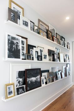 HGTV's Jasmine Roth Has An Awesome Alternative To The Basic Gallery Wall - Gallery Shelves Living Room Designs, Living Room Decor, Hallway Walls, Long Hallway, Hallway Ideas, Wall Ideas, Shelf Ideas, Ikea Hallway, White Hallway