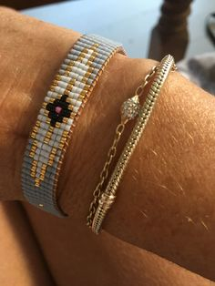I wanted to show you making a bracelet with natural stone and leather thread with video. Leather bracelet bracelet made … Seed Bead Bracelets Diy, Neon Bracelets, Seed Bead Jewelry, Fashion Bracelets, Beaded Jewelry, Beaded Bracelets, Loom Bracelet Patterns, Seed Bead Patterns, Jewelry Patterns