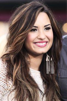 Demi Lovato Hair Highlights, Lovato Hairrrrr, Hairstyle, Hair Style, Dark Hair Blonde Highlights, Hair Color, Highlights For Dark Brown Hair, Demi Lovato ...