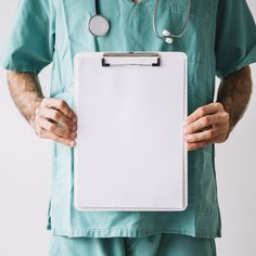Midsection view of a male doctor holding clipboard with blank white papers Free Photo Medical Background, Book Background, Dental Wallpaper, Foto Doctor, Medical Posters, Medical Quotes, Doctor Coat, Male Doctor, Medical Students