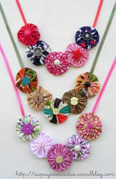 33 Ideas diy jewelry chain fun for 2019 Fabric Crafts, Sewing Crafts, Sewing Projects, Textile Jewelry, Fabric Jewelry, Fabric Necklace, Diy Necklace, Diy Jewellery Chain, Fabric Beads