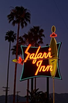 The Safari Inn neon sign in Burbank, California. I have booked rooms for all of us to stay in the Safari Inn. I thought we could have a party to celebrate our Safari adventure. Won't that be fun? It looks great inside. Old Neon Signs, Vintage Neon Signs, Neon Light Signs, Old Signs, Station Essence, Retro Signage, Neon Licht, Kino Film, Hang Ten