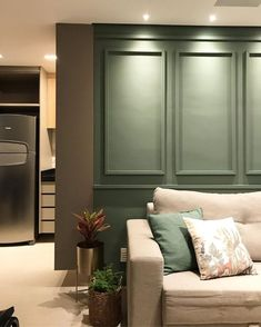 Diy Tv, English Style, Wainscoting, Decoration, Tall Cabinet Storage, Sweet Home, New Homes, House Design, Living Room