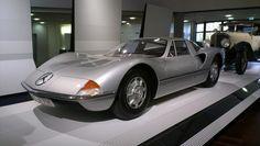 Mercedes C111 design study by Bruno Sacco, serie experimental de automóviles producidos por Mercedes-Benz en los años 60 y 70.
