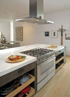 Kitchen island with Stove Awesome 39 Smart Kitchen islands with Built In Appliances Digsdigs Basic Kitchen, Smart Kitchen, Kitchen Tops, Eat In Kitchen, Awesome Kitchen, Kitchen Appliances, Kitchen Storage, Kitchen Larder, Round Kitchen