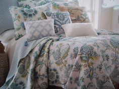 New KING Size Quilt & Shams ** Baby Blue Floral #levtex