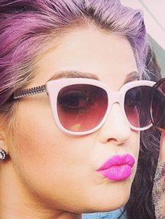 Kelly Osbourne knows how to rock her lilac hair - with a pink lip! Lilac Hair, Hair Color Purple, Pastel Hair, Beauty Makeup, Hair Makeup, Hair Beauty, Celebrity Style Inspiration, Fashion Inspiration, Kelly Osbourne