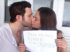 Foto de beijo de casal árabe-israelense viraliza e inicia campanha espontânea contra conflito em Gaza #peace