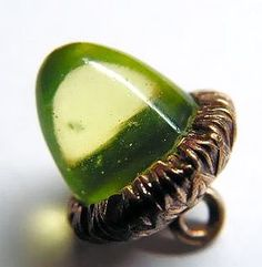 Vaseline Uranium Glass Acorn Button