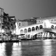 Pro Tour Memorabilia Paris and Venice Canvas, Style B