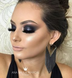 Black eye makeup with black or dark eye shadows is preferred by many divas to give that sexy and mysterious look to their personality. Black Eye Makeup, Dramatic Eye Makeup, Formal Makeup, Glam Makeup Look, Makeup Inspo, Makeup Inspiration, Makeup Tips, Beauty Makeup, Hair Makeup
