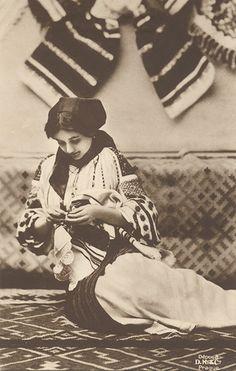 Vintage Czech postcard featuring a woman wearing a Romanian style folk costume Saison Ciel Old Photos, Vintage Photos, Romanian Women, Romania Travel, Folk Costume, My Heritage, Traditional Art, Traditional Clothes, Vintage Photography