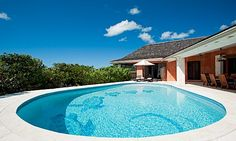 A private Turks and Caicos luxury retreat, Five Turtles is a newly refurbished 4 bedroom luxury villa which sits directly on one of the Island's most beautiful beach coves – Sunset Bay (aka Taylor Bay).