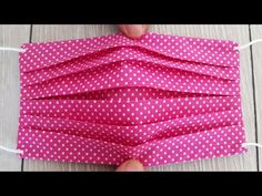 Diy Sewing Projects, Sewing Hacks, Sewing Tutorials, Bag Tutorials, Easy Face Masks, Diy Face Mask, Diy Mask, Fashion Face Mask, Sewing Patterns Free