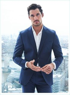 David Gandy reunites with photography duo Hunter & Gatti for the cover of Código Único. The top British model stars in a feature for the magazine. David Gandy Suit, David Gandy Style, David James Gandy, David Gandy 2017, David Gandy Body, Outfits Casual, Mode Outfits, Famous Male Models, Stylish Men