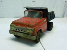 Vintage Tools, Vintage Metal, Tools And Toys, Tonka Toys, Truck Camper, Toy Trucks, Old Toys, Budgies, Campers