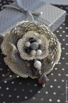 """Броши ручной работы. Ярмарка Мастеров - ручная работа """"Серый цветок"""". Handmade.  $21"""
