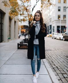 Have a lovely day || Outfit of the day! Really cute fall/winter outfit here. Looks cosy and comfy as well as stylish | Women's winter outfit ideas | Fall fashion outfits 2017