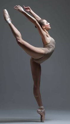 4 Yoga Stretches for Long, Lean, Dancer Legs : Peaceful Dumpling Dancer Legs, Dancers Body, Ballet Dancers, Ballerinas, Bolshoi Ballet, Poesia Visual, Dance Poses, Ballet Photography, Ballet Beautiful